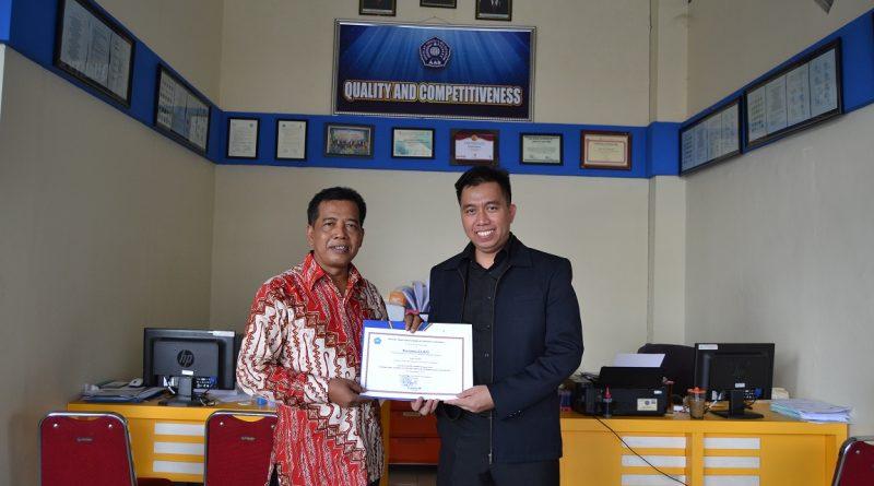 Sertifikat Penghargaan dari International College UTK Thailand